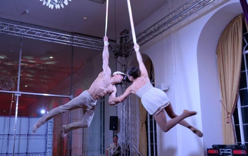 Aerial Straps Cirque Act